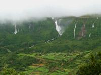 Wasserfälle an Flores' Westküste